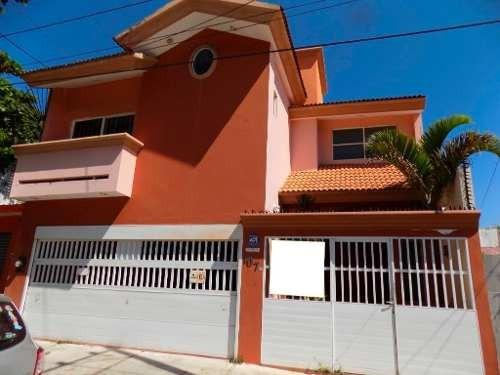 Casa En Renta, Col. Centro, Coaztacoalcos, Ver.