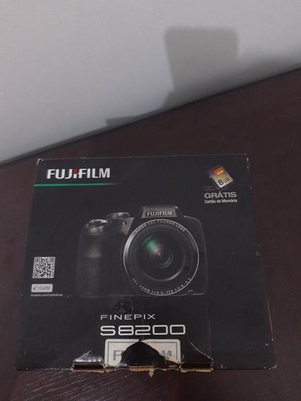 Câmera Fotográfica Fujifilm Finepix S8200