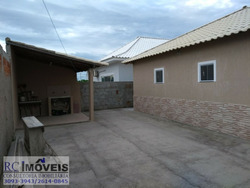 Linda Casa Com 4 Quartos, Cozinha, Sala E Banheiro E Garagem