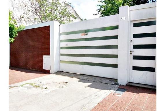 Casa Familiar C/cochera - Villa Madero