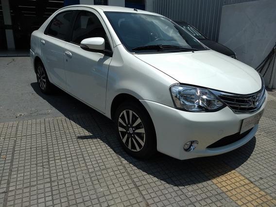 Toyota Etios Sedán 1.5 Platinum 2015