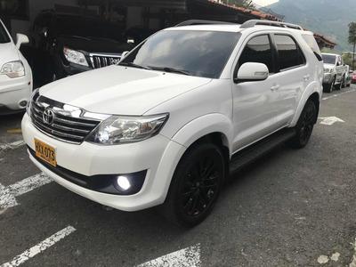 Toyota Fortuner Urbana 4x2 Aut 2.7