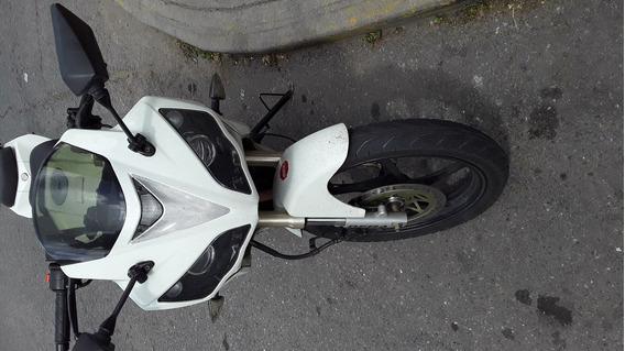Moto R1 200 Casi Nueva