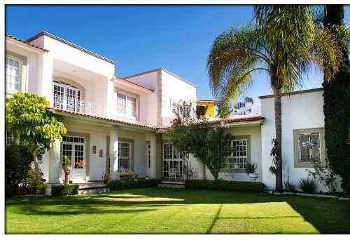 Casa En Venta - Pedregal De Querétaro - C1347