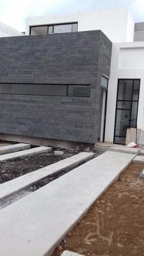 Hermosa Casa Nueva En Venta En Fracc. El Condado Qro. Mex.