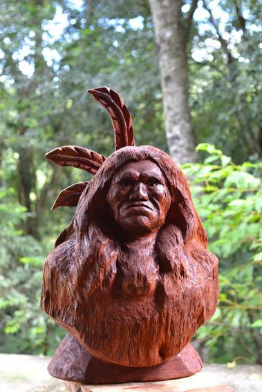 Escultura Índio Em Madeira