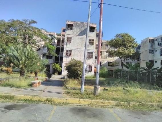 Apartamento En Venta Urb Las Acacias Maracay Mj 20-7995