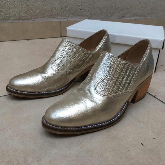 Zapato Abotinado Dorado Nro 39