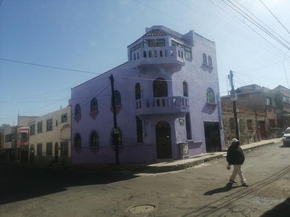 Bonita Casa Con 5 Recamaras, En Barrio De La Antigua Puebla
