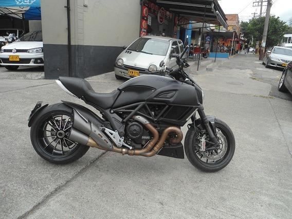 Ducati Diavel 1.200cc 2015
