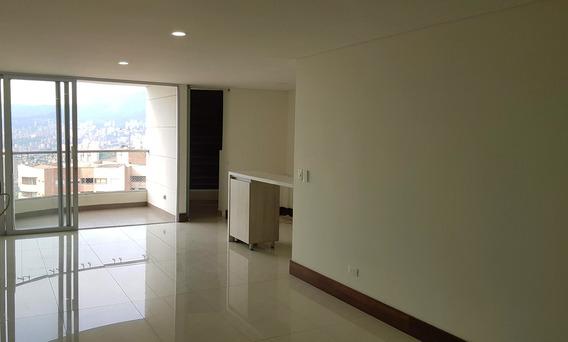 Venta De Apartamento Con Vista En Sabaneta, Sector Las Lomitas