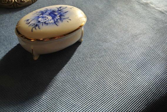 Porta Joia De Porcelana Pintada A Mão.