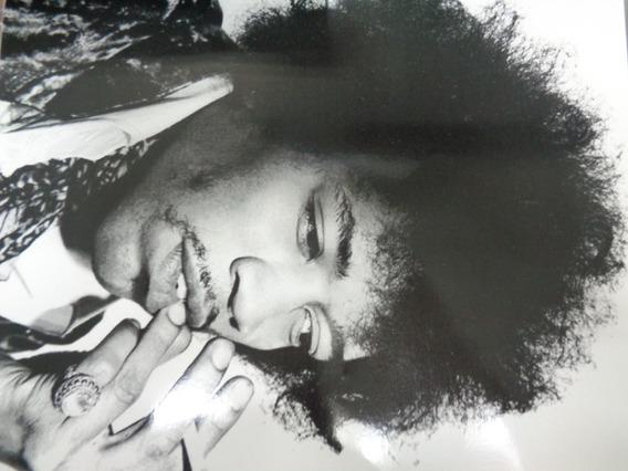 Poster Jimi Hendrix Branco E Preto E Black Sabbath