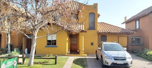 Portal Propiedades Vende, Casa 4d. + 4b., Sector Arqviva