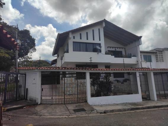 Casa Quinta Ubicada En La Urbanización Villa Hermosa