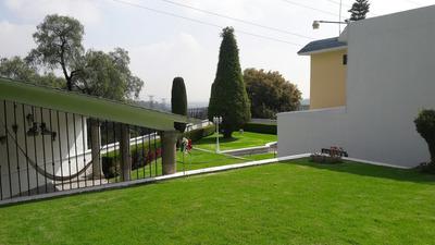 Amplia Residencia Con Dos Jardines, Absoluta Seguridad.