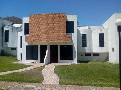Townhouse En Venta Altos La Esmeralda Joel Thielen 19-9186