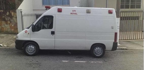 Ambulância Peugeot Boxer 2009