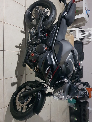 Imagem 1 de 2 de Yamaha  Xj6