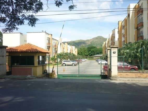 Apartamento En Urbanización Valles Del Nogal. Wc