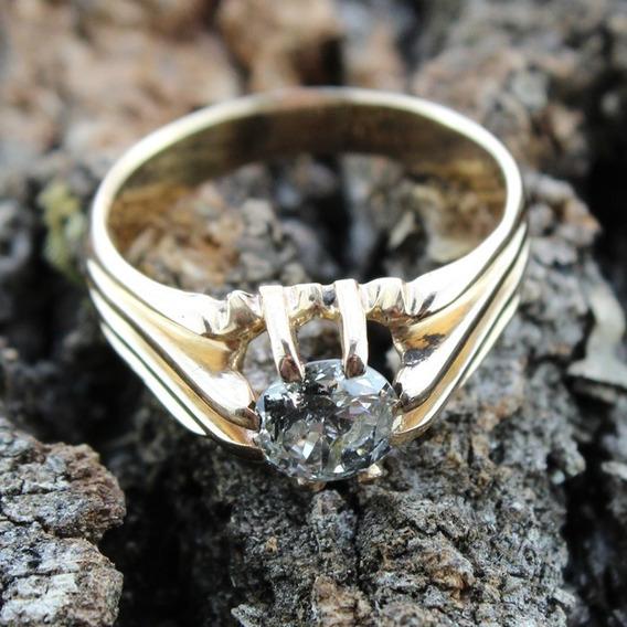 Anel De Diamante Base Em Ouro Relíquia Herança De Família