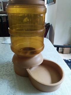 Alimentador De Perros Le Bistro 4.5 Kg 10 Lb (petmate)