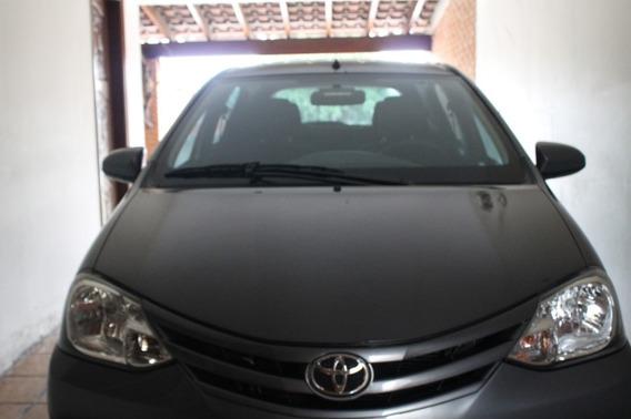 Toyota Etios Hatch Completo, Único Dono. Novinho.
