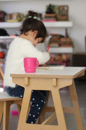 Imagen 1 de 7 de  Escritorio  Mini Ánima + 1 Banquito Infantil