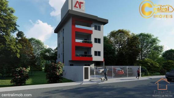 Apartamento Com 3 Dormitório(s) Localizado(a) No Bairro Centro Em Balneário Piçarras / Balneário Piçarras - 556