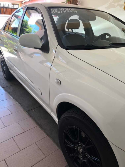 Nissan Almera 2011 1.6 Full