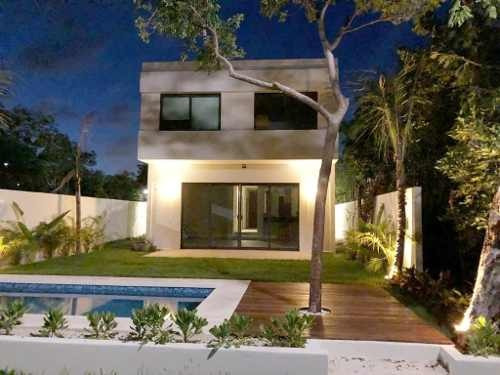 Espectacular Casa Minimalista Integrada Con La Naturaleza