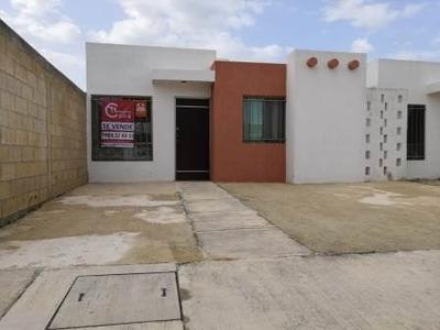 264-794 Casa En Venta En Fraccionamiento Los Héroes, Mérida