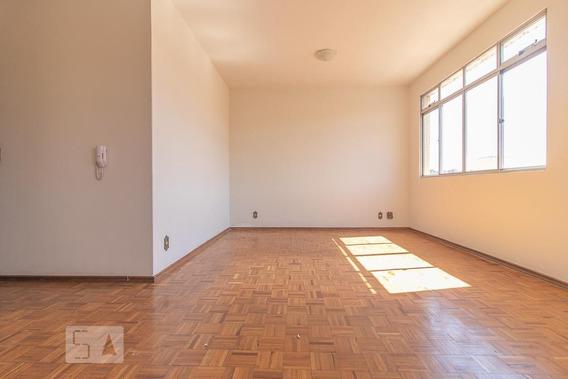 Apartamento No 3º Andar Com 2 Dormitórios E 1 Garagem - Id: 892947577 - 247577
