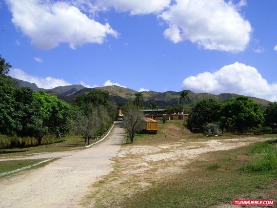 Código: 357103 Amplia Granja Avícola En El Toco, Vigirima.