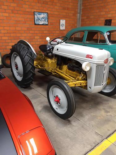 Trator Ford 1952 8 N