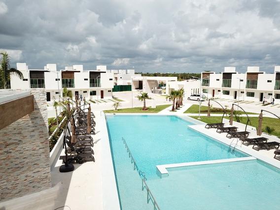 Cancun Casas En Venta, Av Huayacan, Privada, Alberca