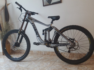 Bicicleta Giant Glory Descenso