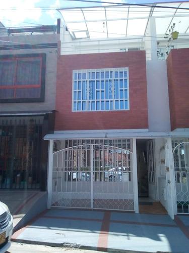 Vergel San Fernando Casa 3 Pisos Estrenar