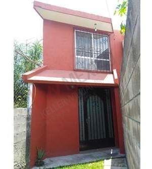 Casa En Venta En Jiutepec, Morelos, En Fraccionamiento Con Vigilancia Las 24 Hrs.