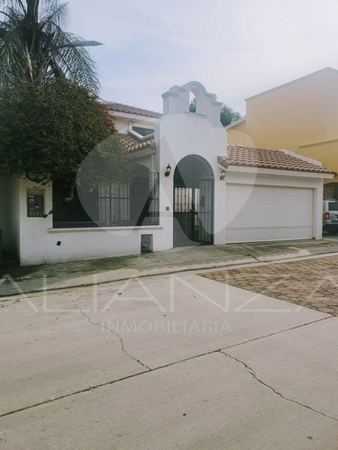 Casa En Venta Puerta De Hierro Tijuana