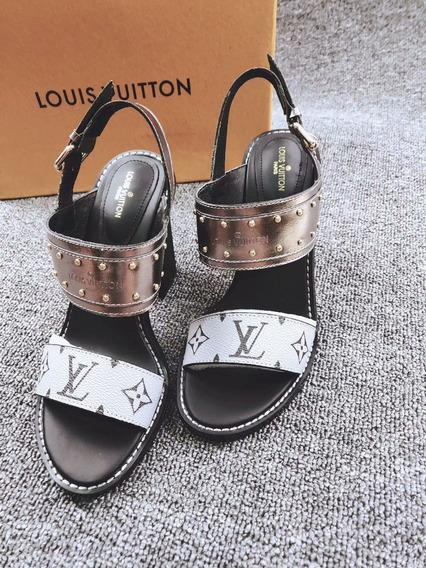 Sandalia Louis Vuitton Lv Couro Branca Na Caixa Original !!!
