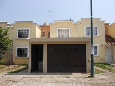 Casa En Venta En Morelia En Fracc. Villas Del Pedregal