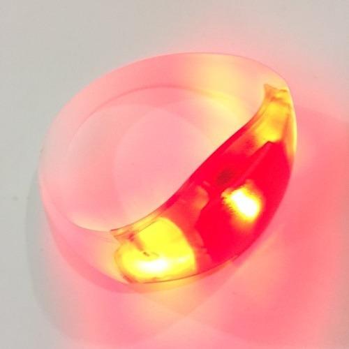 Imagem 1 de 2 de Pulseira De Led Vermelha Pisca Conforme Batida Da Musica Top