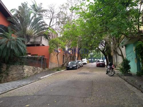 Hostel, 2 Kitnets, 9 Suítes, Cozinha E Lavanderia Comunitária , 1 Sauna, 1 Sala De Convivência  - Mr64586