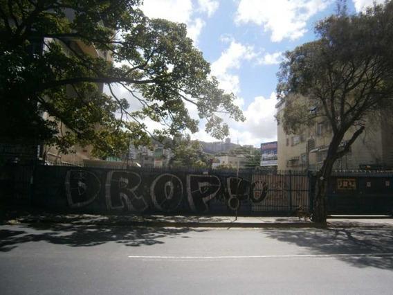 Se Vende Terreno 935m2 Los Chaguaramos