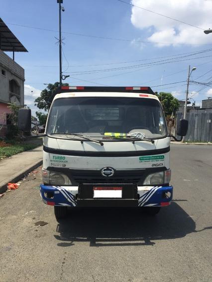 Camión Hino Con Plataforma Nueva Para Cargar 6 Toneladas