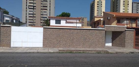 Quinta En Venta En Andres Bello 04128900222