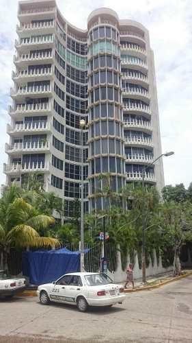 Departamento En Acapulco Sobre Costera Miguel Alemán.