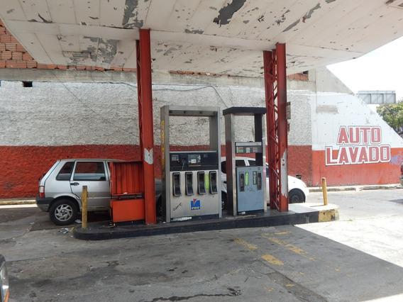 Estacion De Gasolina Pdvsa En Chacao