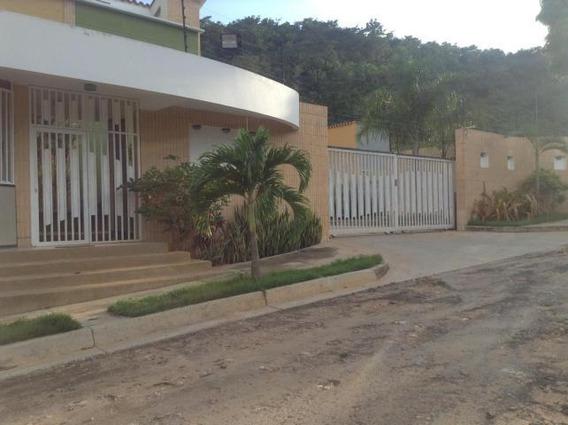 Townhouse En Venta En El Parral, Valencia Carabobo 20-873 Em